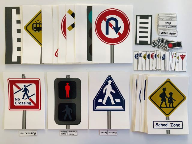 pic cards_road sign